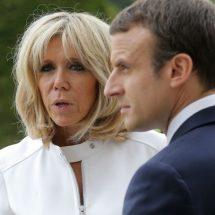 Macron lodges complaint against photographer for harassment while on holiday